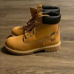 Size 10 women's timberland boots